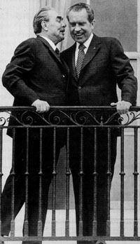 Л брежнев и р никсон в москве май 1972г